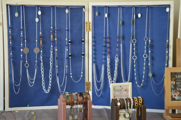 From Bulletin board to Jewelry display stand