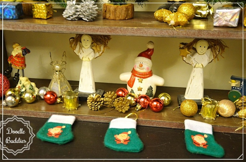 christmas mantle ideas 12
