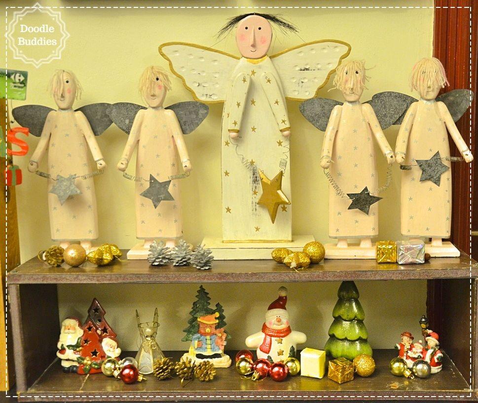 christmas mantle ideas 16