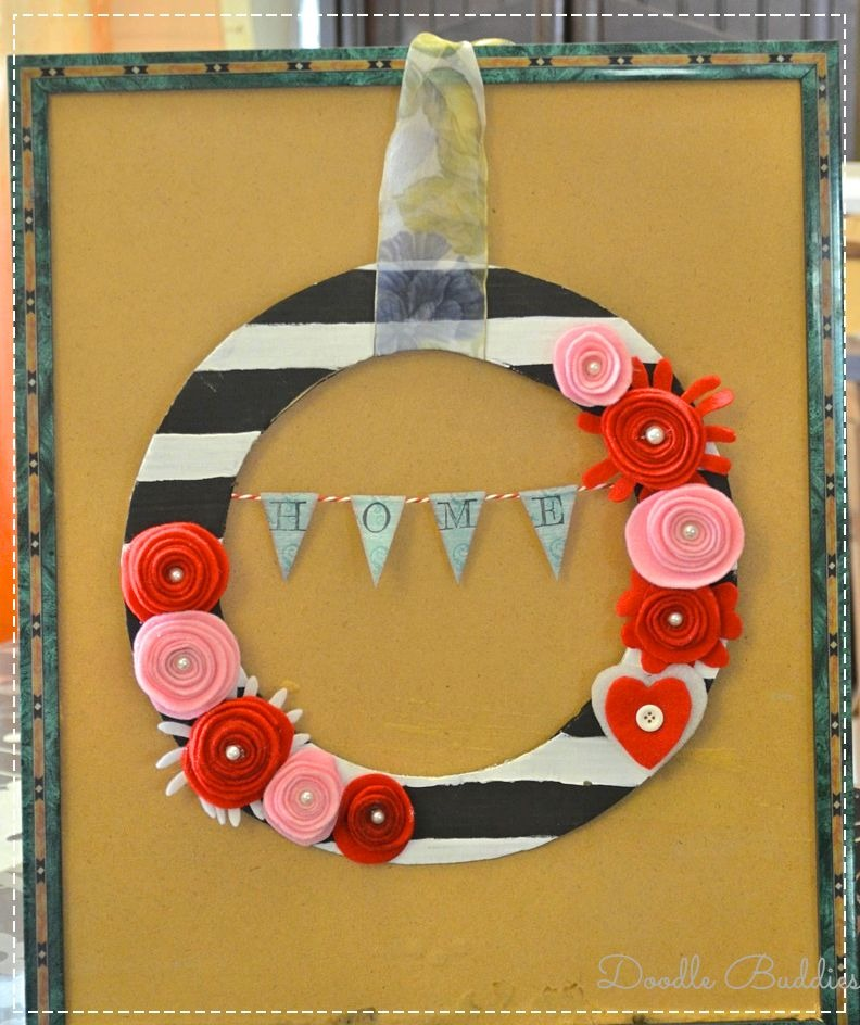 Frame and wreath with pizza box